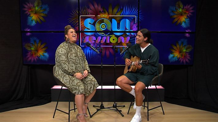 Marley Sola and Sara-Jane sing Bless The Lord on Soul Sessions